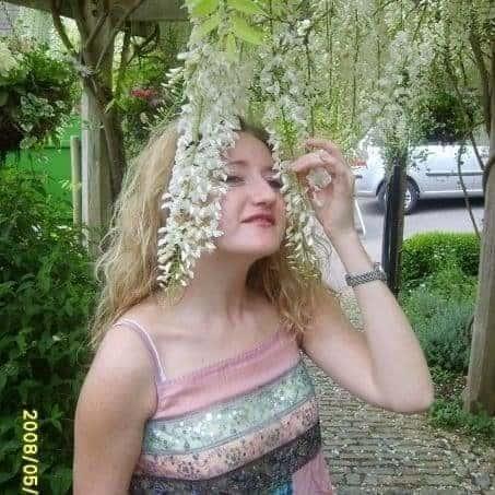 30 days to a happier you – Day 26 – Guest blogger artist Justine Van De Weg